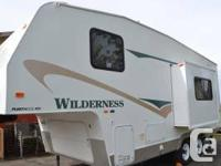 Barely used 5th wheel in excellent condition.  Air