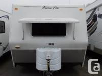 2006 25-R ARCTIC FOX FOUR SEASONS ALL WEATHER TRAILER