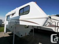2006 BIGFOOT 9.5'. Vehicle Camper. $19,990.00.