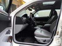 Make Chrysler Model 300C Year 2006 Colour White kms