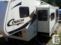 25ft Cougar 5th wheel with slide large for couch and