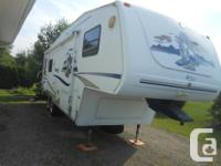 2006 cougar fifth wheel 27.5 ft ,polar pakg ready for