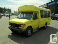 Make Ford Model Econoline Year 2006 Colour Yellow kms