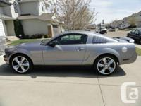 Very well maintained 2006 Ford Mustang. V6, Grey