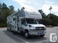 2006 4 Winds Chateau 34ft Class-C Motorhome. This Four