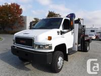 Make GMC Year 2006 Colour White Trans Automatic kms