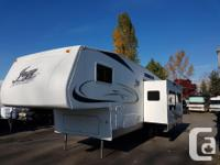 2006 Jazz 5th Wheel by Thor 4 season RV Ducted A/C
