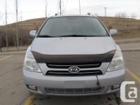 Make Kia Model Sedona Year 2006 Colour Silver kms
