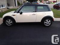 Make MINI Model COOPER Year 2006 Colour off white kms