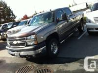 Absolutely amazing truck! 2006 Crew Cab Short Box 4x4!!