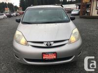 Make Toyota Model Sienna Year 2006 Colour Grey kms