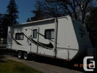 2007 26 foot Wave by Thor Travel Trailer. Forced air,