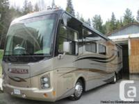 2007 Damon Astoria 40ft Class-A Motorhome, 3 slides,