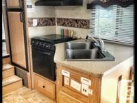 Immaculate - 26' Forest River Sandpiper. Sleeps 6 and