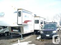 2006 FOREST RIVER CARDINAL F29RKLE (rear kitch), good