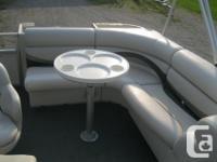 2007 Manitou Aurora 22' Pontoon Boat w/40hp Suzuki