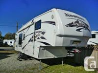 2007 MONTANA 3000RK FIFTH WHEEL  Rear kitchen, 4