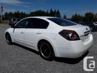 Make Nissan Model Altima Year 2007 Colour White kms