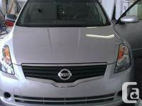 SELLING MY 2007 NISSAN ALTIMA S