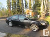 2007 Toyota Avalon - Fully loaded, black with grey