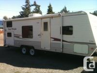 2008 26B Four Winds Travel Trailer Lite in excellent