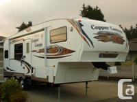 2008 Copper Canyon 5th wheel by Keystone - 27 feet