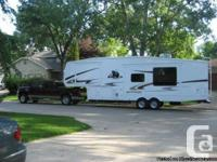 2008 Cedar Creek Silverback 33LBHTS Fifthwheel.