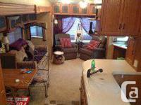Beautiful 38 ft,fifth wheel made in 2008. 5 power tip