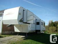 2008 HYLINE PREMIER, Top of the line 38 ft. triaxle 5th