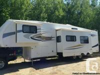 2008 Jayco Eagle 355FBHS Fifthwheel. Perfect for a