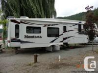 2008 Keystone Montana 3465SA Fifthwheel. 2 Recliner