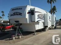 Fresh Fifth wheel Recreational Vehicle 39ft trailer, 4