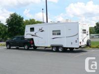 2008 Nash 24-5N 5th Wheel; LIKE NEW sleeps 4-6;