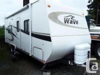 2008 Wave 26 Foot Travel Trailer Sleeps Six, Fridge,