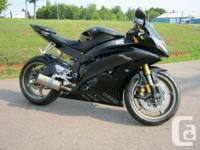 2008 Yamaha YZF-R6 (600cc) Sport Bike Clean R6 with a