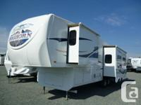 2009 BIG HORN 3055RL FIFTH WHEEL  3 slide outs, 4