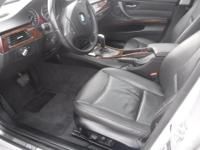 Make BMW Model 328i xDrive Year 2009 Colour SILVER kms