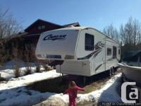 2009 Keystone Cougar 293SAB Fifthwheel. Two restrooms,