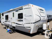 Price: $18,995 Stock Number: F411A This 2009 Wilderness