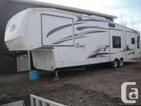 2009 Woodland River Cardinal 37FT Fifth tire with