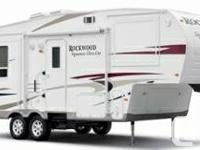 Like new ultra light 5th wheel for sale.  Used 6 times