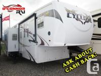 A-c, Aluminum Wheels, Power Awning, Queen sized bed,