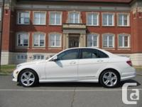 Make Mercedes-Benz Model C300 Year 2009 Colour White