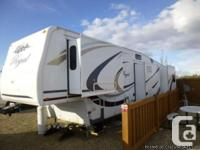 2009 Fleetwood Regal 355 RLQS 5th wheel. Are you
