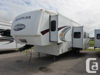 2009 KEYSTONE Recreational Vehicle MONTANA 347THT.