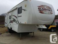 2009 Heartland Sundance 3300BHS Fifthwheel with several