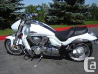 2009 Suzuki VZR 1800 Limited Edition (like new, with