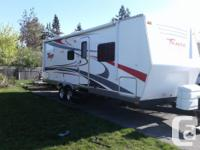 28 foot lightly used 2009 Tango trailer in excellent
