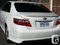 2009 White Toyota Camry SE with Leather Seats and
