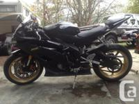 2009 Yamaha R6, special edition black and gold, low
